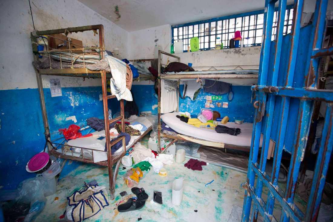 En tom fängelesecell efter att interner brutit sig ut från Arcahaie-fängelset i centrala Haiti.