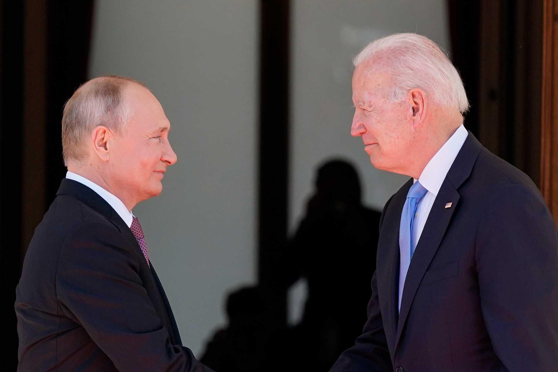 Rysslands president Vladimir Putin och hans amerikanske kollega Joe Biden samtalade i timmar.