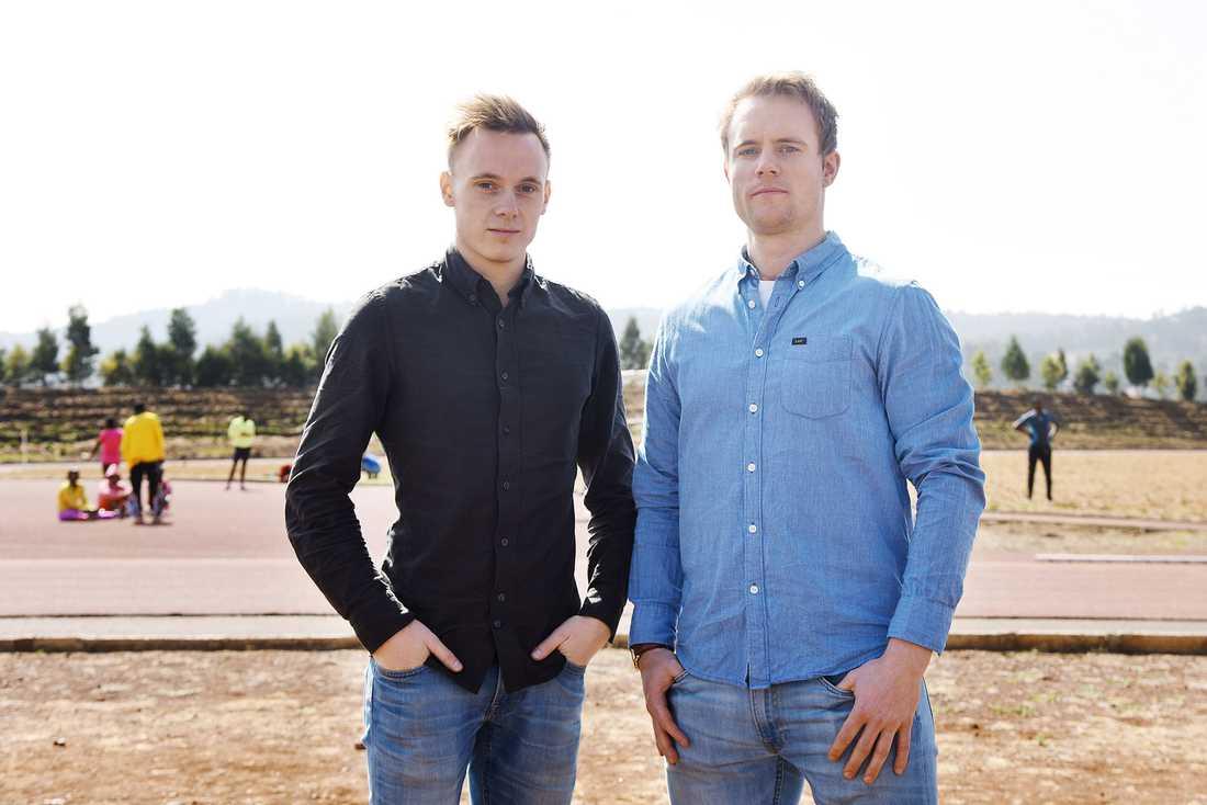 Sportbladets reporter Erik Karlsson och fotografen Pontus Orre på plats i byn Sululta i Etiopien.