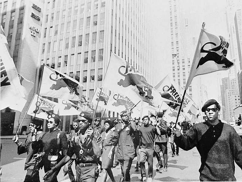 Black Panther party protesterar i New York 1968.