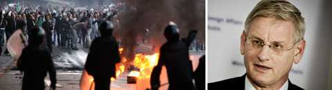 Sveriges utrikesminister Carl Bildt följer utvecklingen i Egypten efter att demonstrationerna mot president Hosni Mubarak krävt sex liv.