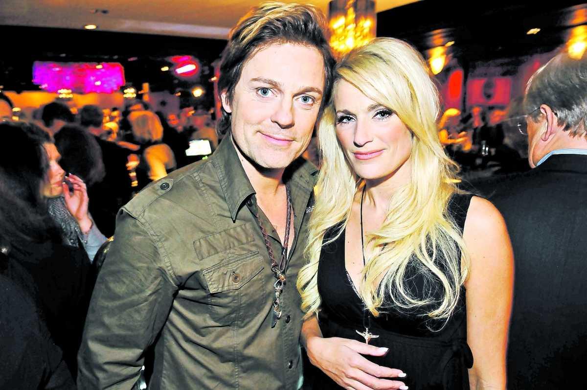 """Niclas Wahlgren och Laila Bagge säger att de """"tycker mycket om"""" varandra – och nu spirar romansryktena."""