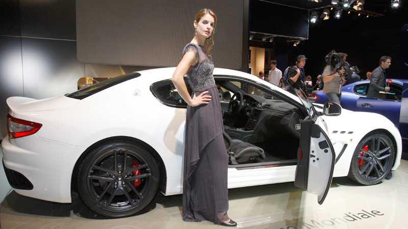 Ännu en premiär i Paris – nya Maserati Gran Turismo MC Stradale. 450 italienska hästar för fartfylld komfort för den som är stadd i kassan. Foto: AP