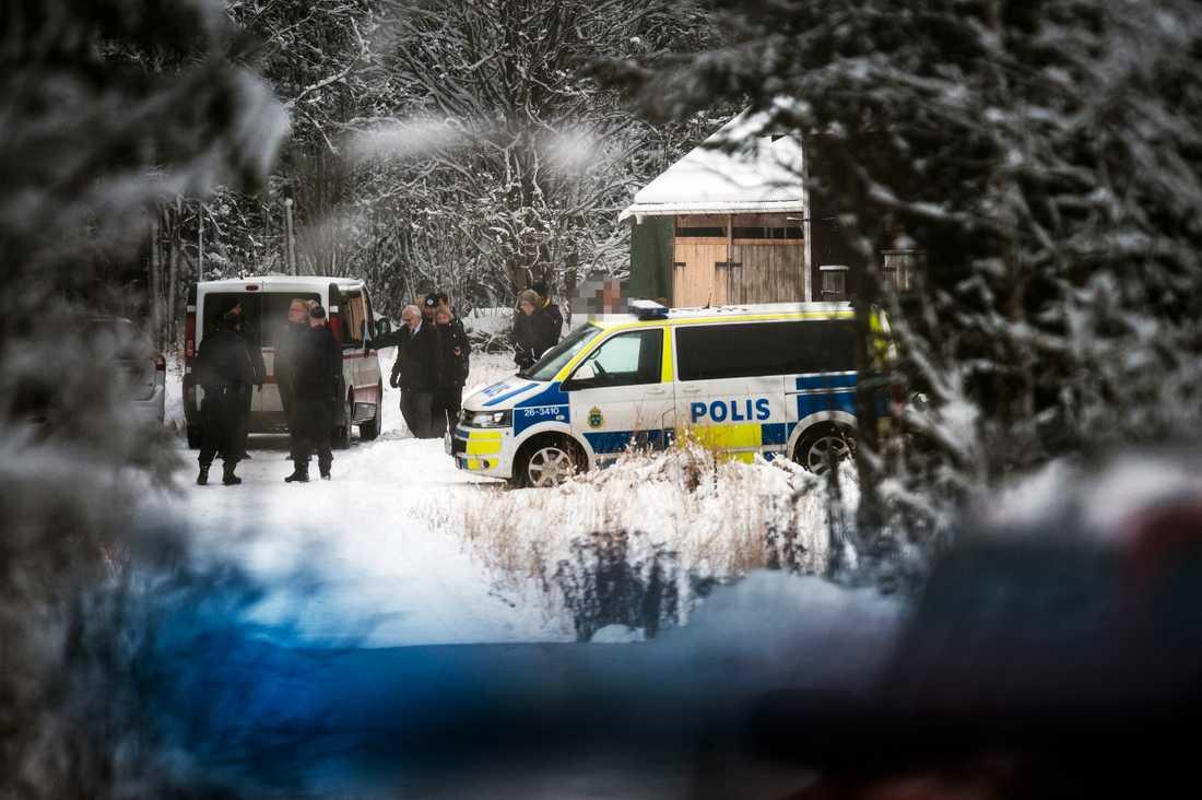 Tova Mobergs fd pojkvän vid platsen för mordet.