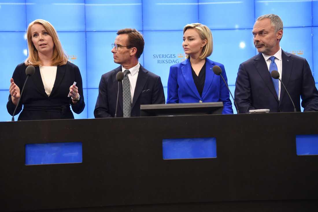 Annie Lööf (C), Ulf Kristersson (M), Ebba Busch Thor (KD) Jan Björklund (L) under en pressträff med Alliansen i september 2018.