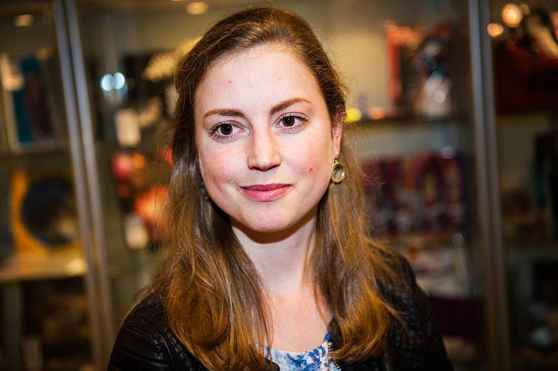 Beata af Donner är ansvarig intendent för auktionen.