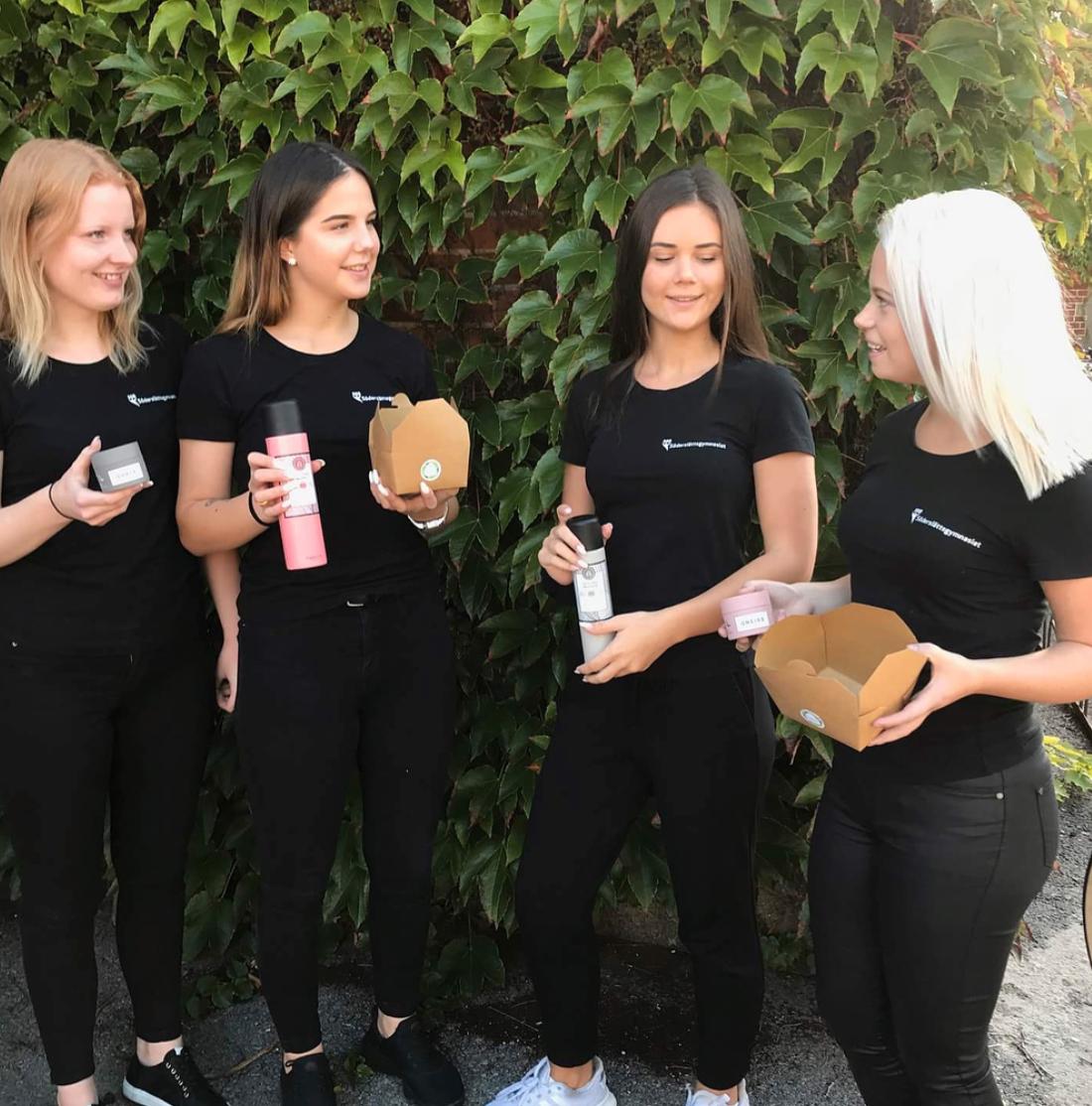 Felicia Kristiansson, Linn Ögren, Sara Hjort och Amanda Isgren är företagarna bakom Re-food UF.