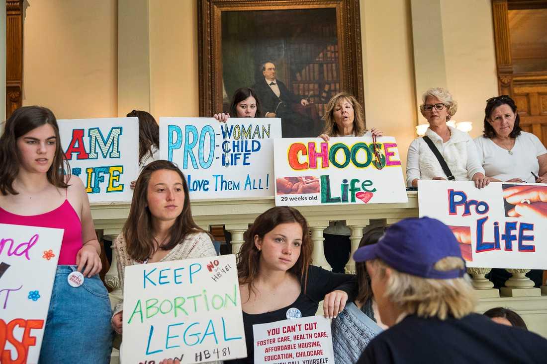 Demonstrationer både för och emot abort i delstaten Georgia i mars.