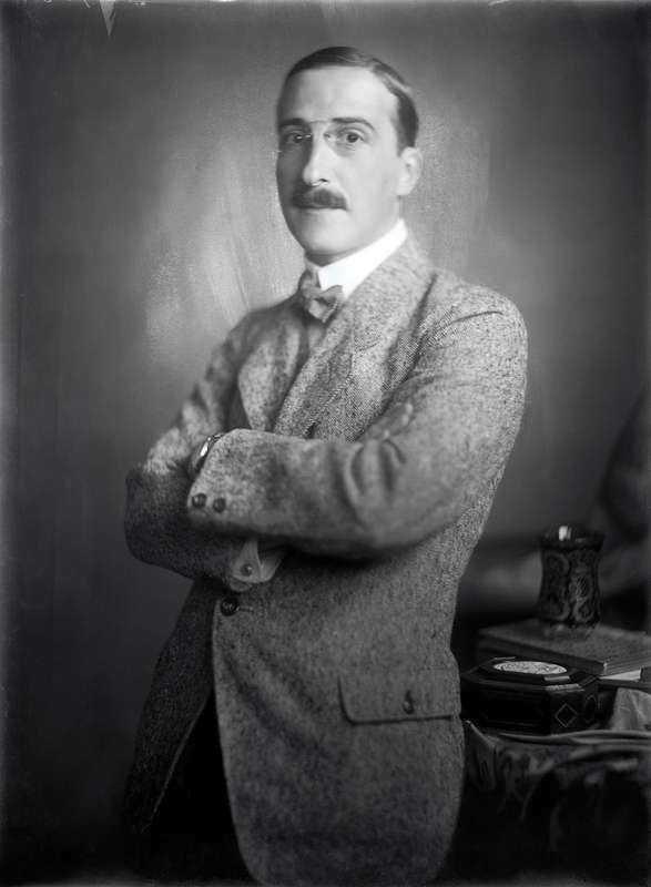 Författaren Stefan Zweigs tragiska levnadsöde har på ett vördnadsfullt och exakt sätt tecknats av George Prochnik. Foto: Imagno/Getty images