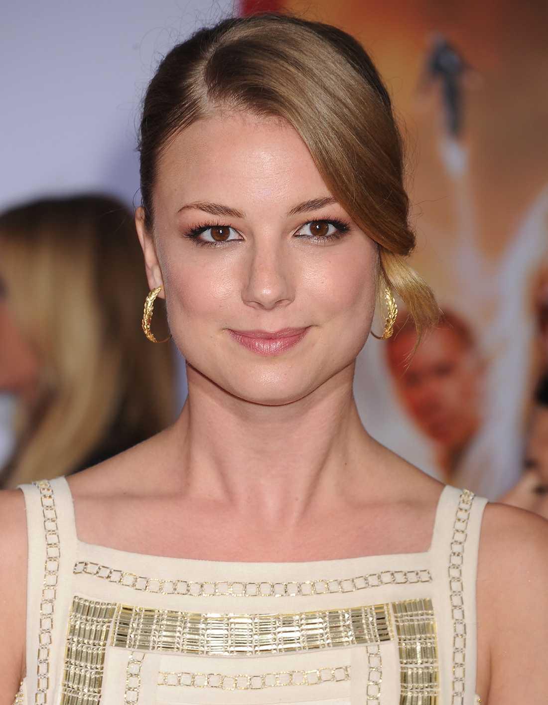 """Emily VanCamp spelar huvudrollen i """"Revenge""""."""