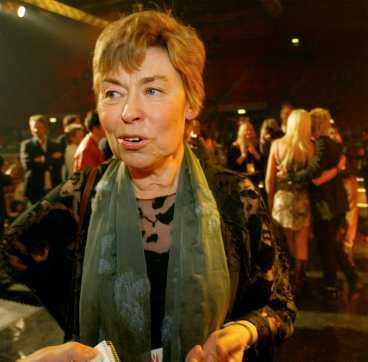 BEHÖVER PENGARNA SJÄLVA Christina Jutterström, vd på SVT, ser inget konstigt i att Världens barn i år fått 28 miljoner mindre av pengarna i telefonomröstningen.