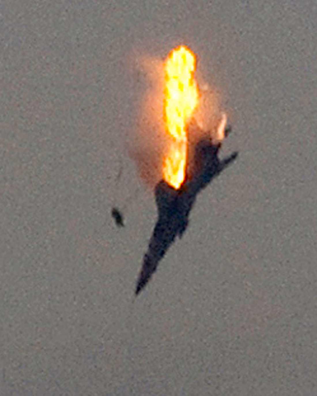 Ett plan sköts i går ner ovanför Benghazi.