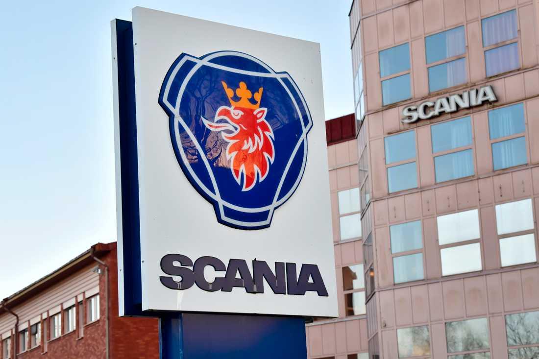 Buss- och lastbilstillverkaren Scania stänger i veckan ned all tillverkning i Europa och Latinamerika till den 13 april, inklusive svenska fabriker i Södertälje, Oskarshamn och Luleå.