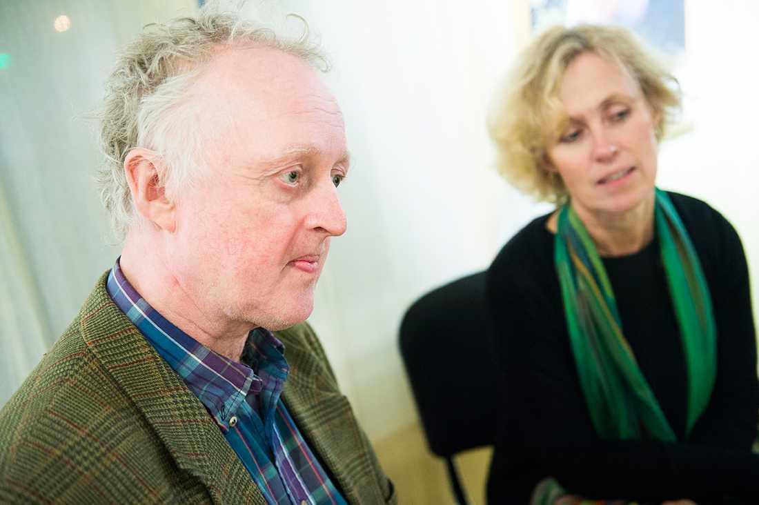 """""""Emil""""-tecknaren Björn Bergs arvingar Torbjörn och Maja Berg behövde godkänna filmen för att den skulle få visas. Det fanns dock ett starkt missnöje. – Regissören krävde sin konstnärliga frihet. Vi var ganska jävliga och petade i färger och linjer. Ibland efter en bild vi hade i huvudet som inte fanns i böckerna, säger Torbjörn Berg."""