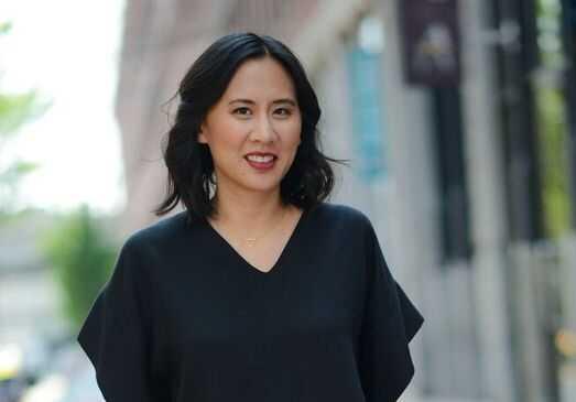 Celeste Ng (född 1980), amerikansk författare.