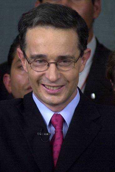 I dag tillträder Alvaro Uribe som president i Colombia.
