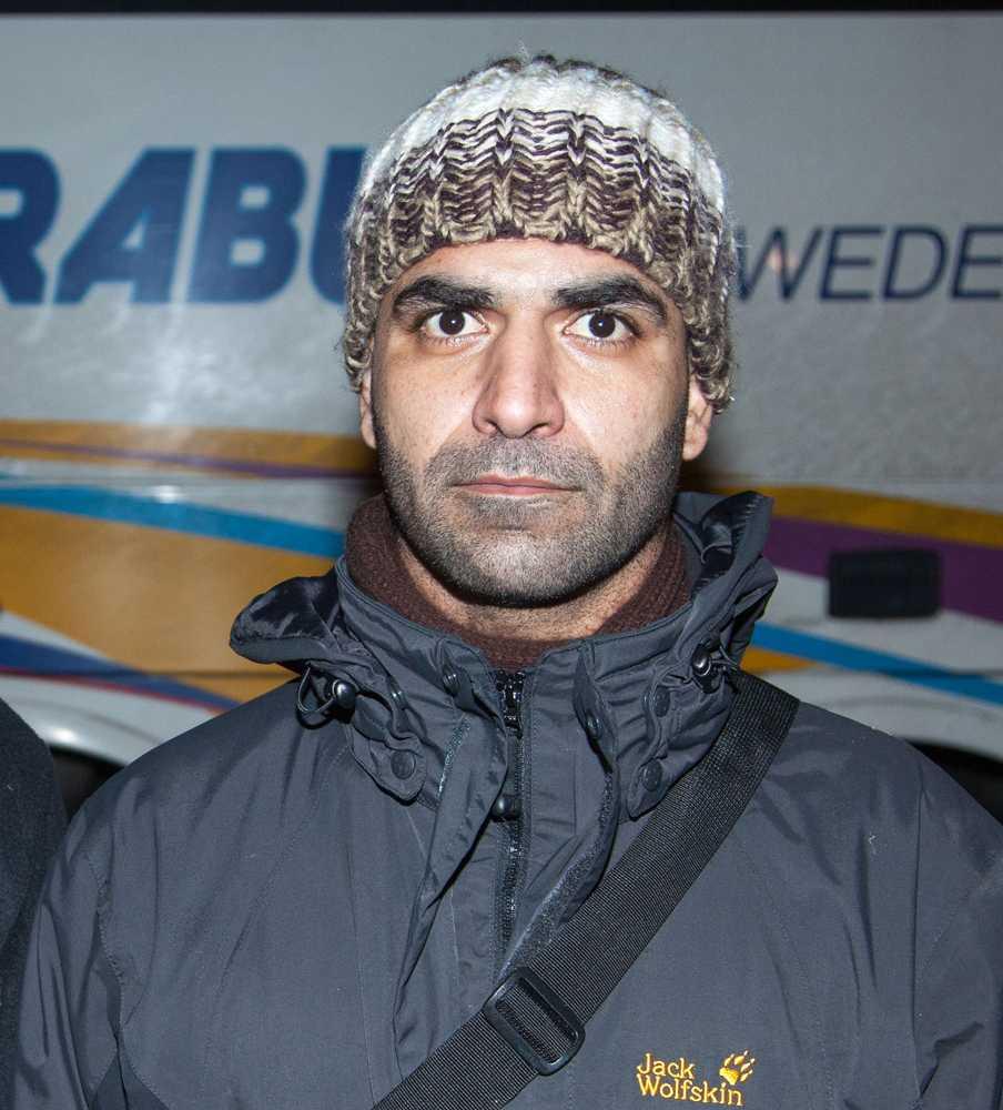 """En av flyktingarna på bussen Moaweyh Ramliy: """"De ljög för oss"""""""