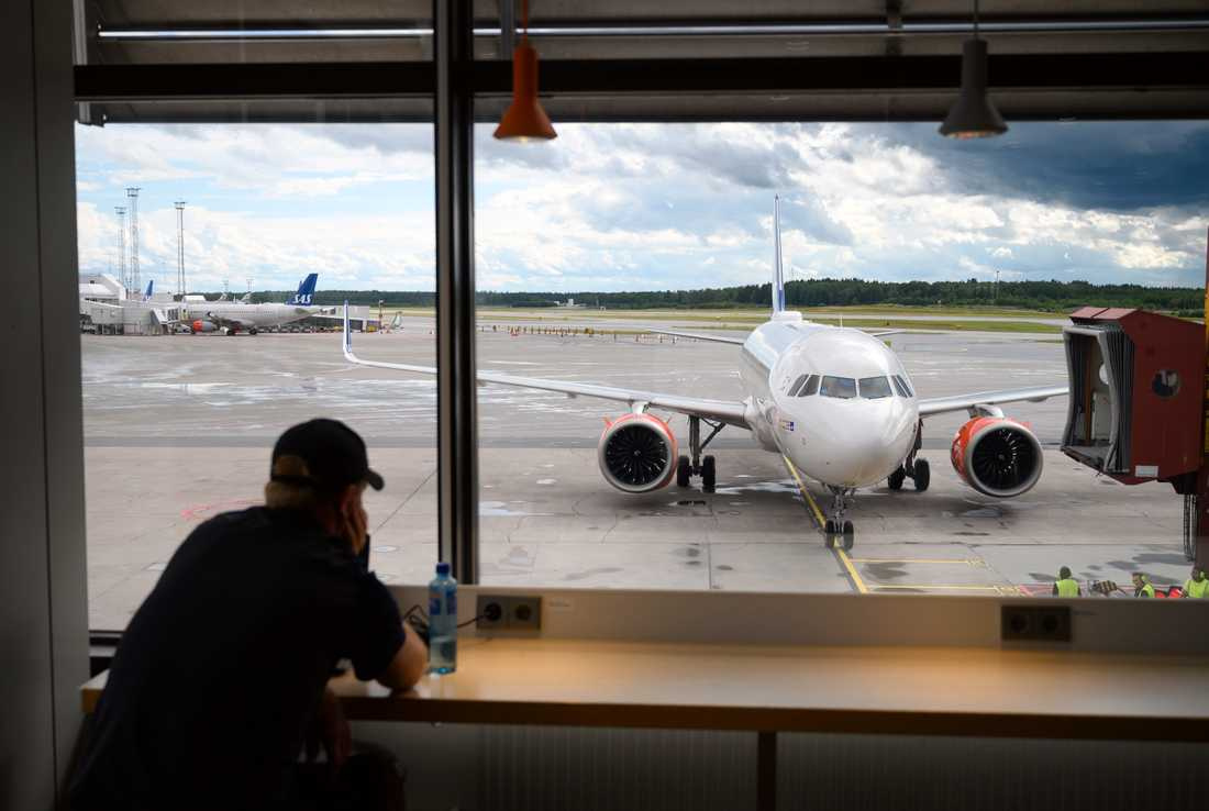 En flygplansmotor började brinna på Arlanda på måndagskvällen. Planet på bilden är inte det aktuella olycksplanet. Arkivbild.