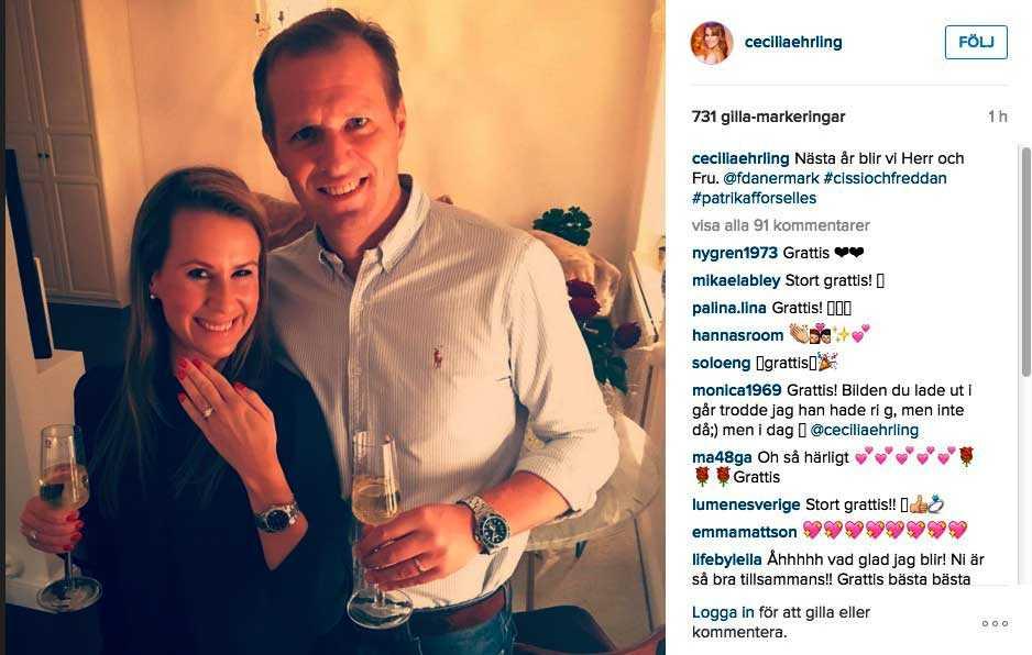 På sitt Instagram visar Cecilia stolt upp förlovningsringen.