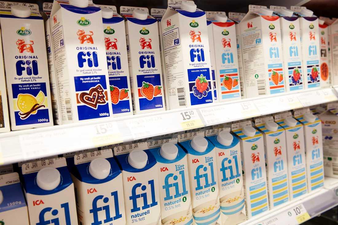 Förpackningar för trögflytande mejeriprodukter behöver förbättras. Svårigheten att tömma förpackningar av yoghurt, fil och creme fraiche var överlägset den orsak som de flest angav som skäl att man slängde produkten. Arkivbild.
