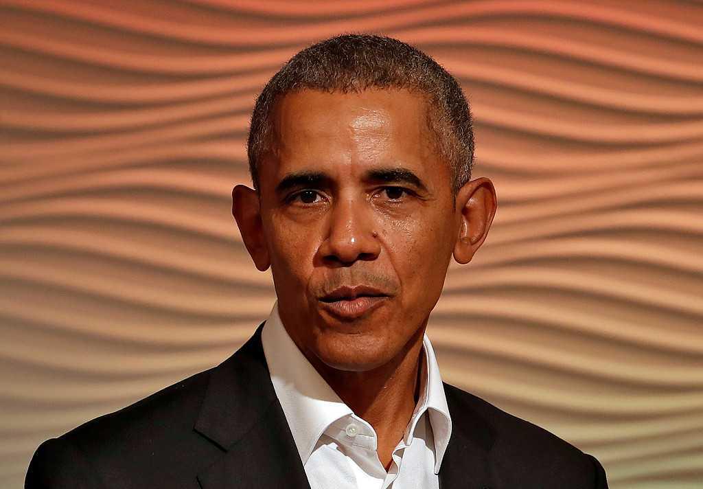 Även Apple och Amazon ska ha visat intresse för att jobba med paret Obama.