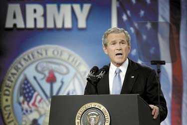 USA:s soldater ska stanna kvar i Irak så länge de behövs. Det lovade USA:s president George W Bush i ett tal till det amerikanska folket.
