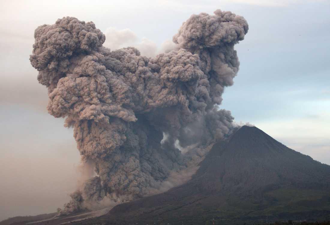 Två stora vulkanutbrott på 500-talet hotade människans existens. På bilden ett utbrott i Guandaling i norra Sumatra år 2014.