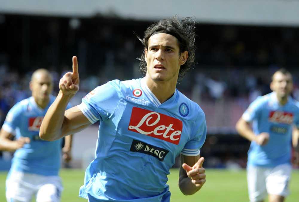 Edison Cavani firar ett Napolis mål.