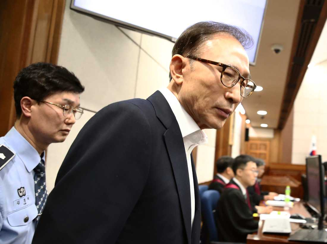 Sydkoreas tidigare president Lee Myung-Bak i rätten 2018.