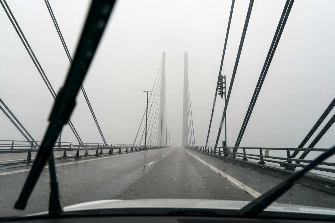 Dimma över Öresundsbron. Arkivbild.