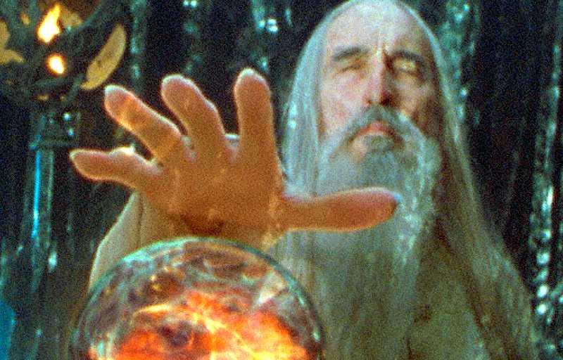 Helhetstänk Genom en palantír kan Mordors arméer tyckas vara större än de egentligen är. För Saruman blir det droppen som får honom att välja de ondas sida. Socialdemokraterna får passa sig och inse att den skrämmande delen av bilden inte är helheten.
