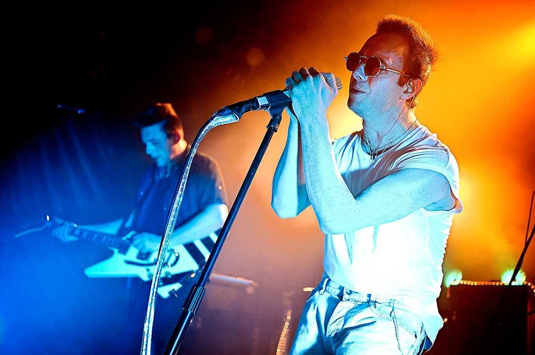 """Spelade tre nya låtar Glasvegas och sångaren James Allan bjöd på en exklusiv klubbspelning inför släppet av nya albumet """"Euphoric heartbreak""""."""