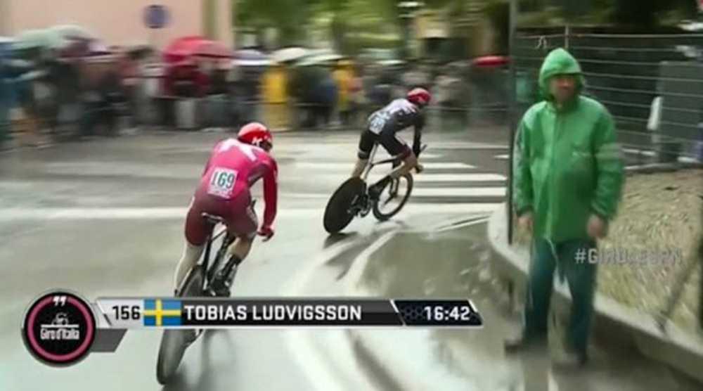 Skärmdump från tv-sändningen av Giro d'Italia-etappen.