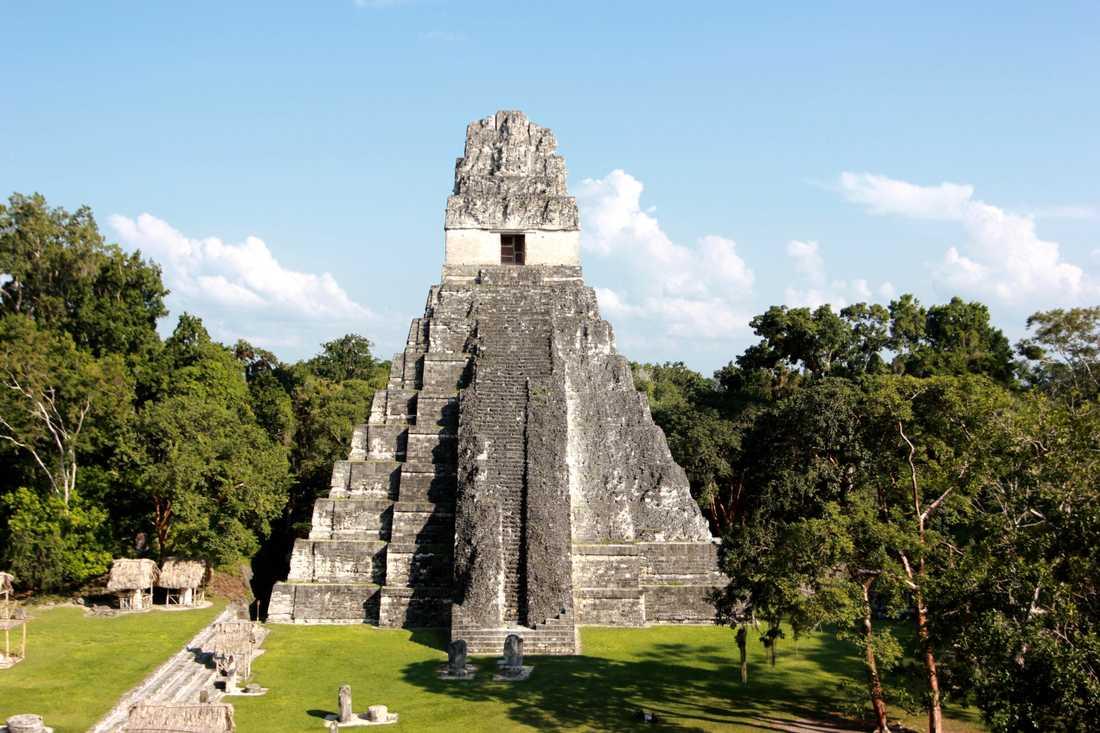 Den stora jaguarens tempel i Tikal, den främsta arkeologiska platsen i Guatemala. Arkivbild.