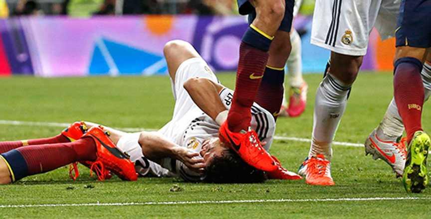 Efter en match i mars kablades en bild ut när Pepe stämplade Sergio Busquets – till synes medvetet – i huvudet.