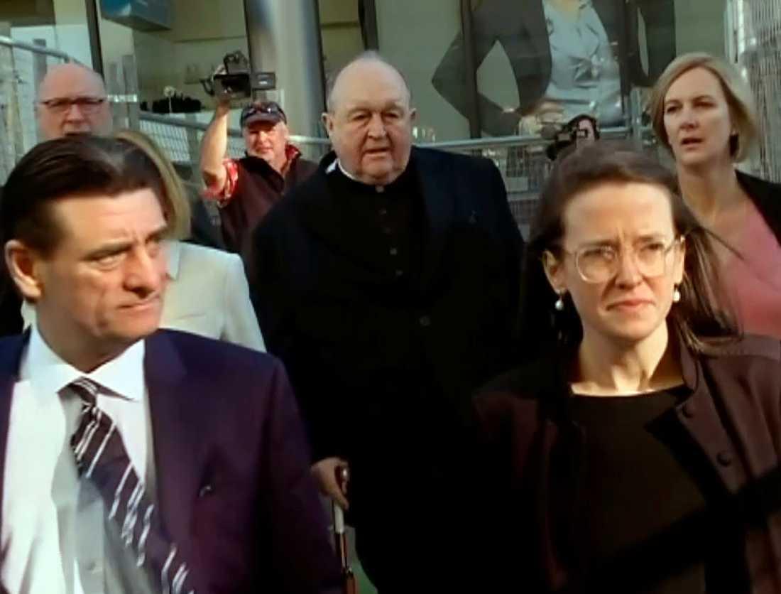Philip Wilson, mitten, vid domstolen tidigare i år. Arkivbild.