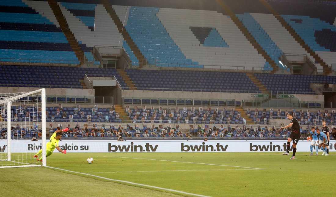 Zlatan Ibrahimovic satte 2–0-från straffpunkten.