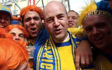 Fredrik Reinfeldt behåller sin förstaplats.