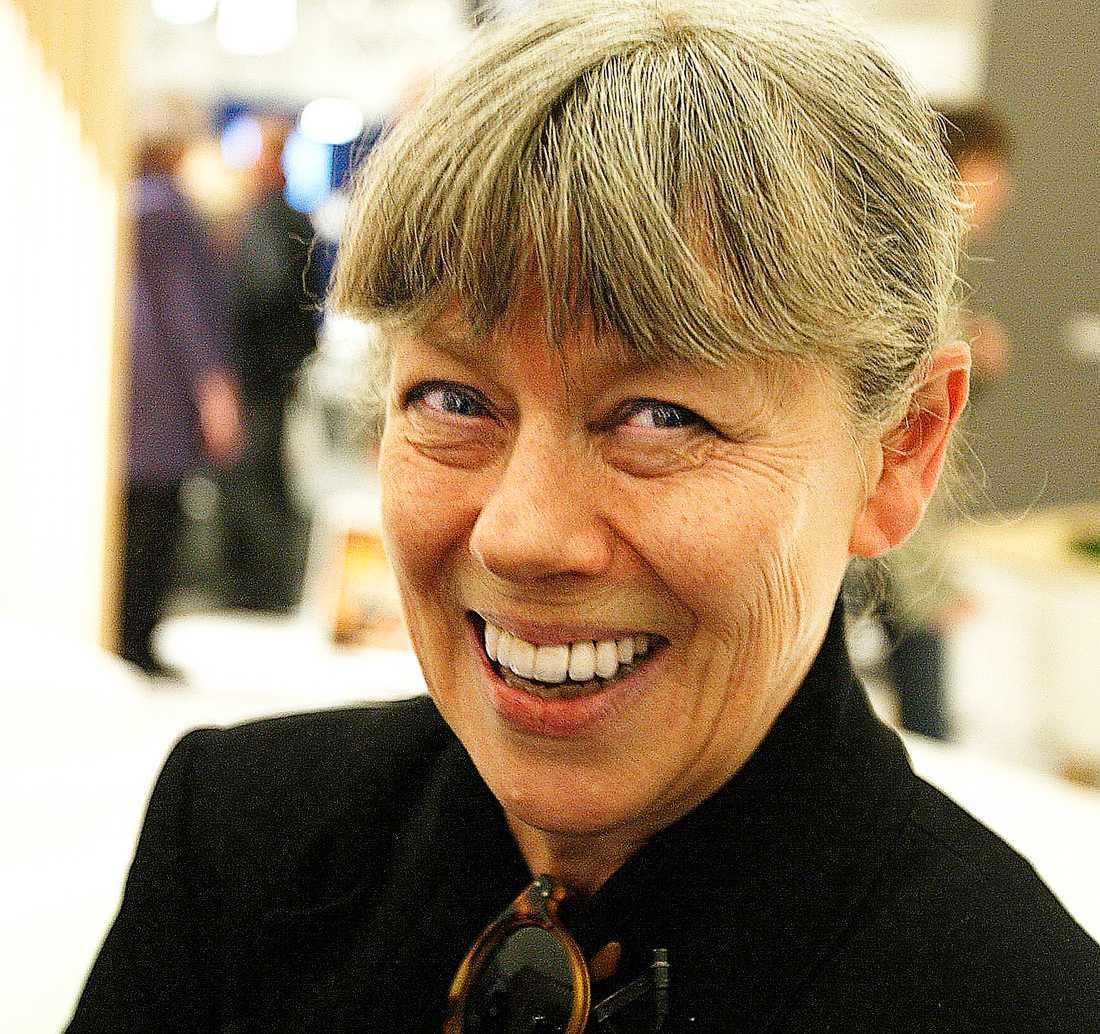 Lotta Lewenhaupt (född 1944) är en legendar inom svensk modejournalistik, känd bland annat som trendkänslig krönikör  i Damernas värld.