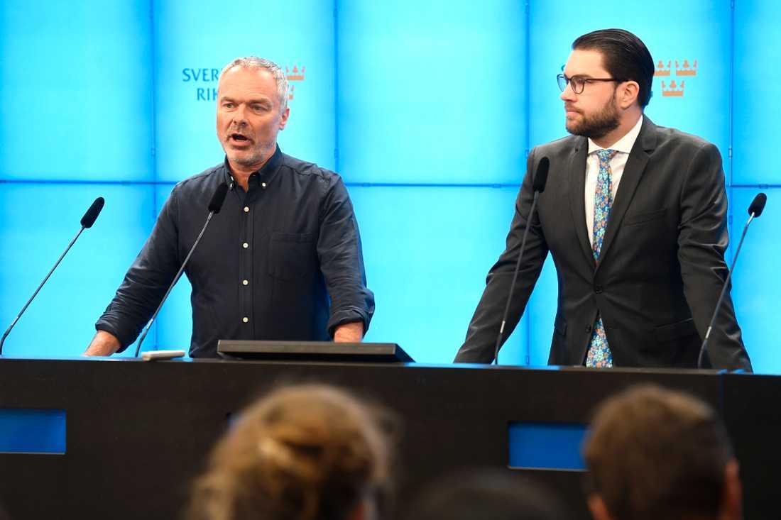 Jan Björklund och Jimmie Åkesson höll gemensam pressträff under fredagen.