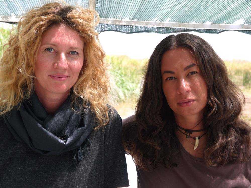 Aftonbladets fotograf Maria Östlin och reporter Magda Gad.