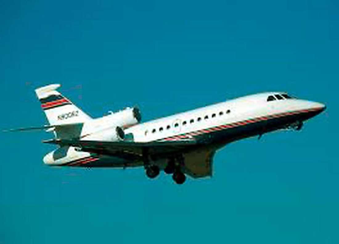 I ett sånt här jetplan flög de iväg.