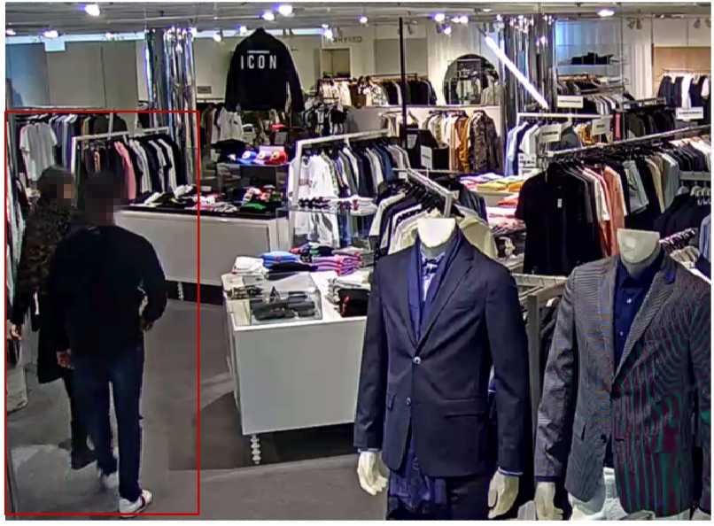 I Göteborg  dagen efter mordet i Guldheden, handlar den åtalade 19-åringen kläder på NK Herrtrend. I butiken ser personalen hur han lämnar över en bunt 500-kronorssedlar till tjejen som är med.  Hon stoppar ner dem i en väska betalar sedan för kläderna.