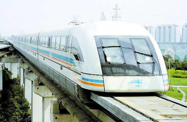 Shanghai har redan ett snabbtåg. Från flygplatsen till Pudong på några minuter. Hastighet: 430 kilometer i timmen.