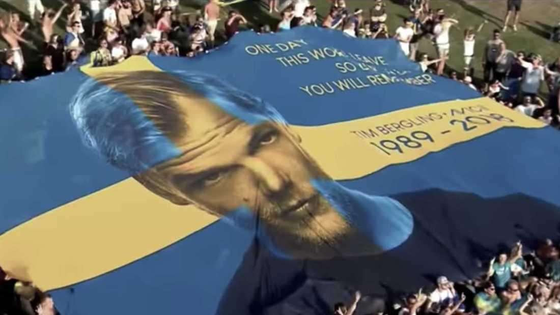"""Tim """"Avicii"""" Bergling hyllades med en jätteflagga på Tomorrowland."""