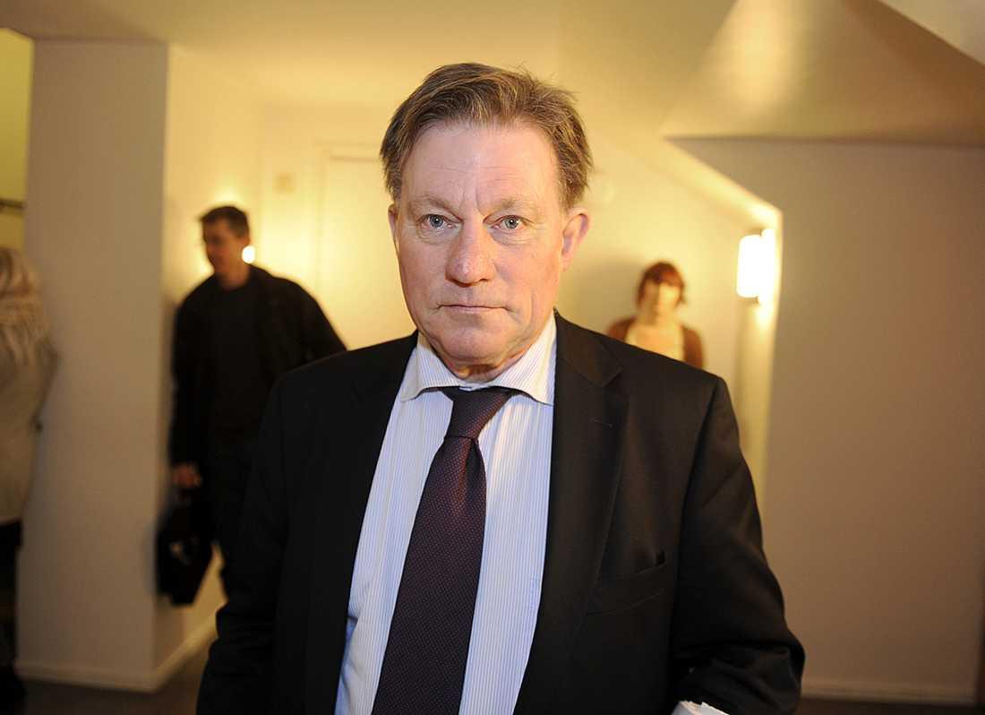 Claes Borgström företräder de två kvinnor som Assange misstänks för att ha utsatt för sexuellt tvång.