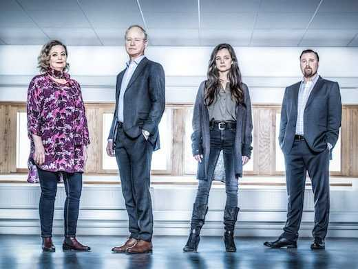 """Robert Gustafsson har en av huvudrollerna i polisserien """"Det som göms i snö""""."""