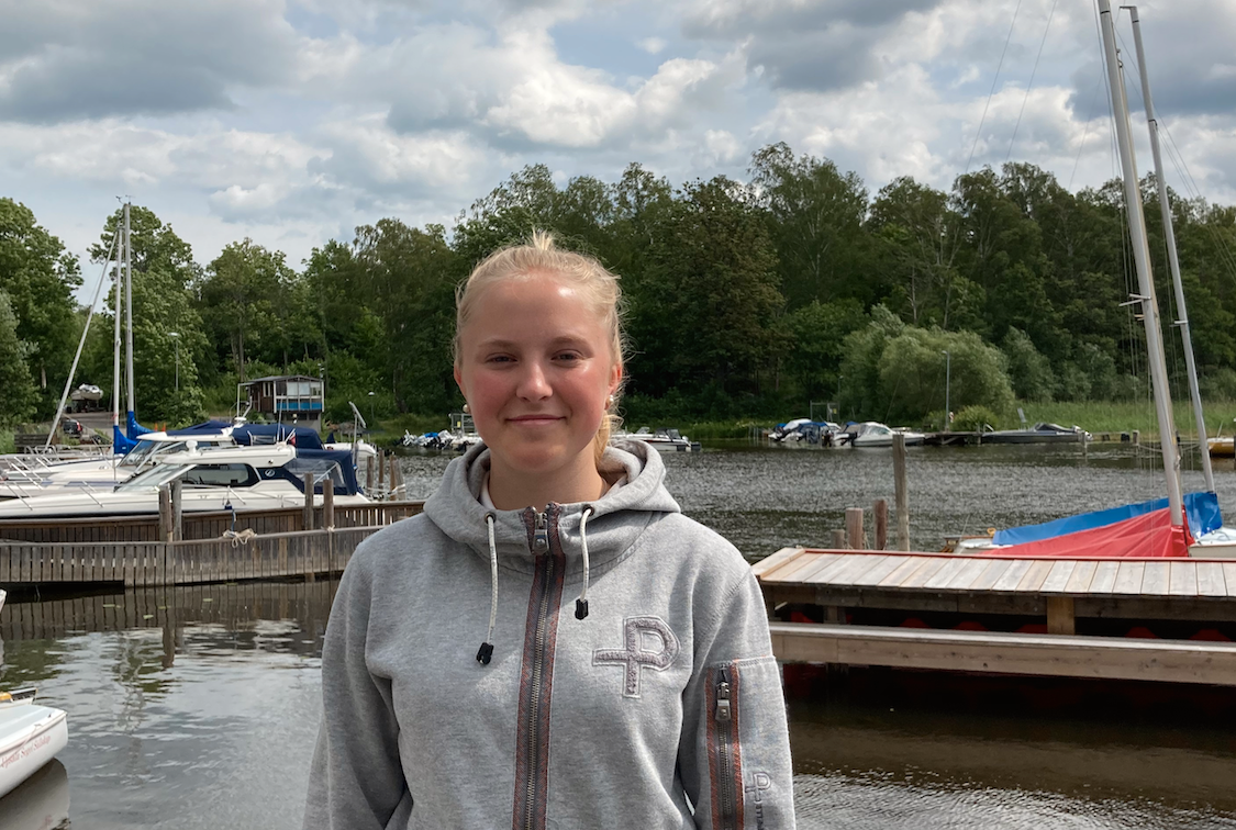 Ebba Ettemo, 15, lyckades flytta den brinnande båten från bryggan.