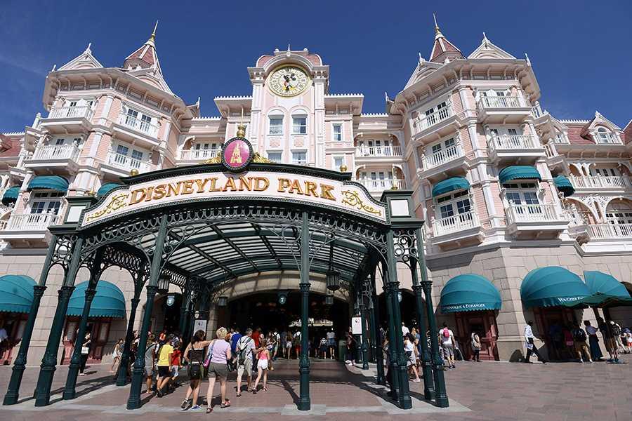 Europas största nöjespark, det är Disneyland Paris!