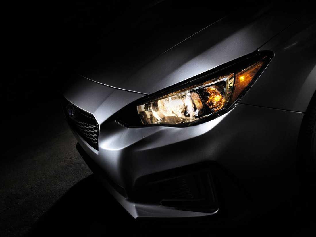 Första bilden på produktionsversionen av Subaru Impreza.